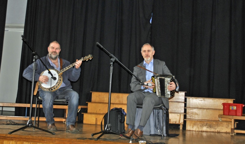 Thanks to martin and Paddy for the music. Bhí an lá again.